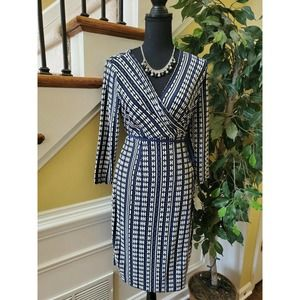 A PEA IN THE POD Women's M Wrap Lined Dress